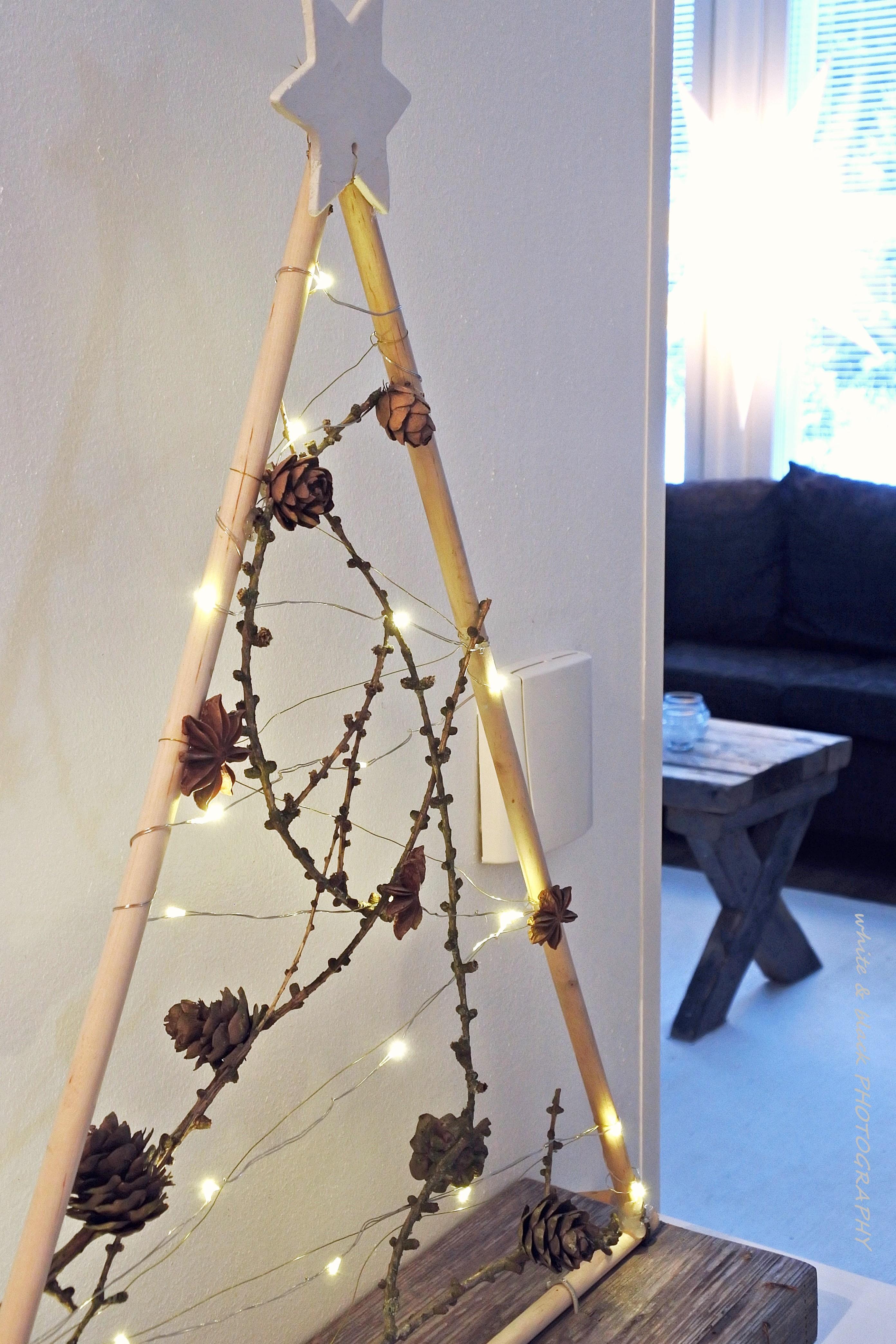 Joulukuusi DIY casa joulukalenteri White Black blogi